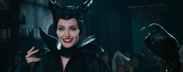 maleficent-angelina-jolie-review-image