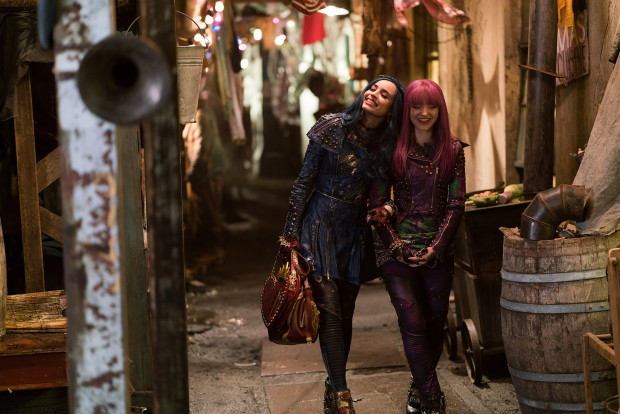 Disney-Descendants-2-Still-Space-Between-Mal-Evie