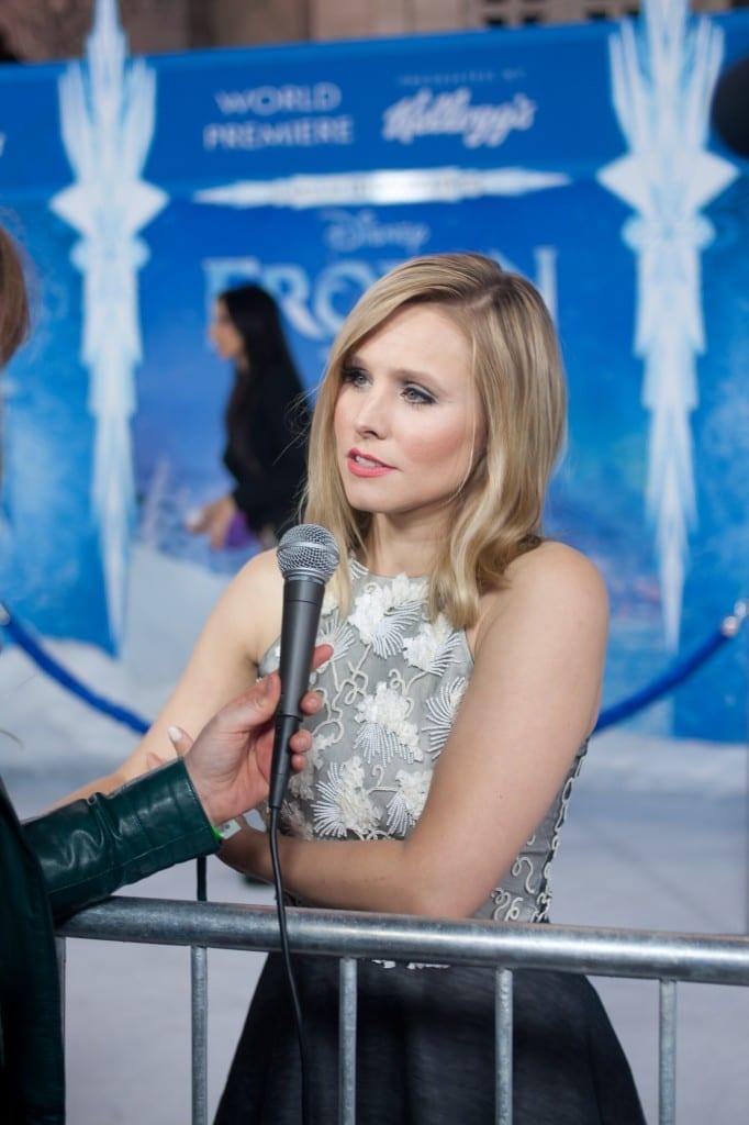 Frozen Premiere-kristen bell chelsea robson