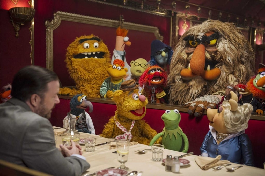 muppets-most-wanted-group-dominic-badguy-kermit-dinner